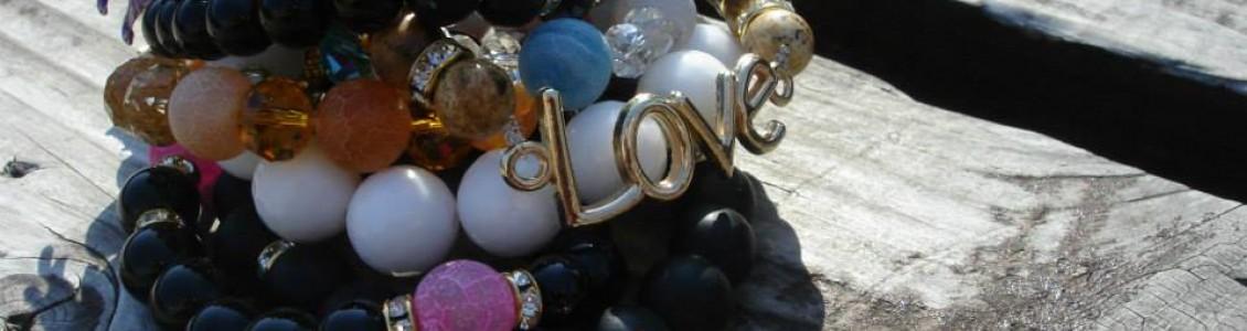 Гривни от естествени камъни, полускъпоценни камъни
